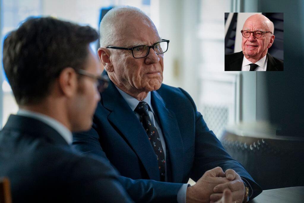 老牌男星Malcolm McDowell演傳媒富商梅鐸,化妝出色,令人以為是梅鐸真人(小圖)客串。