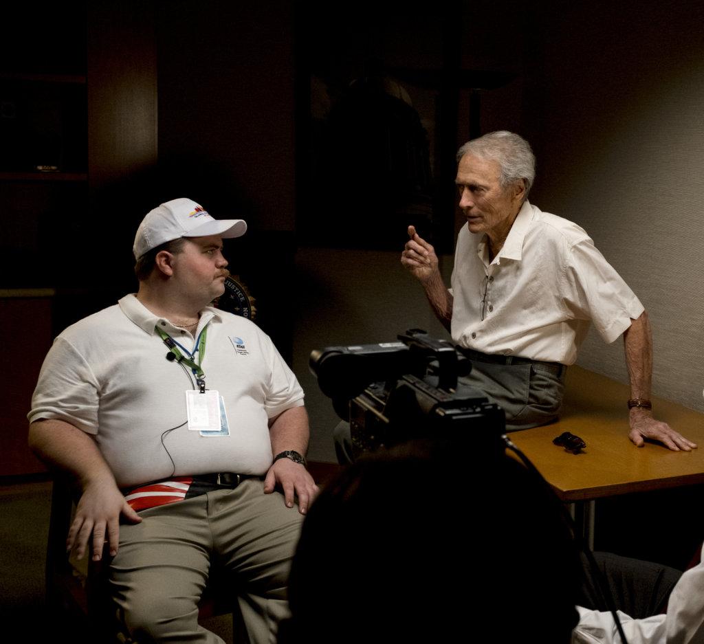 飾演李察的保羅華特豪澤,投入地與導演奇連研究角色。