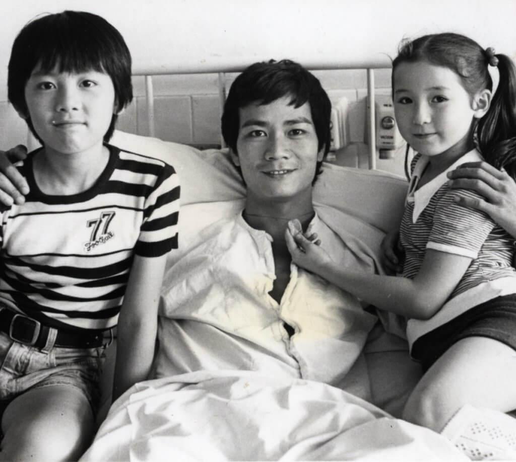潘志文在港台劇《小時候》演王書麒、路家敏兩位童星的叔叔,至今很多香港人仍記得。