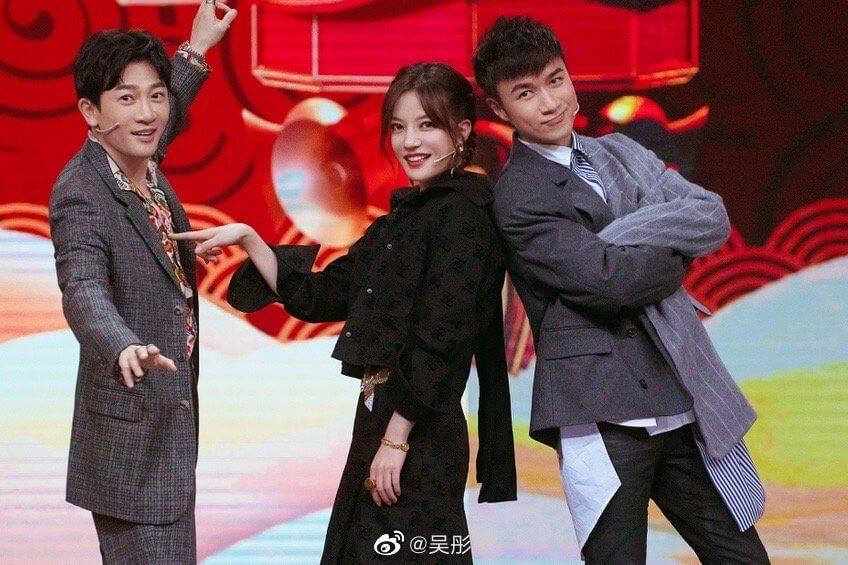 蘇有朋、趙薇、古巨基錄影浙江衛視節目《王牌對王牌》,再次擺出經典甫士。