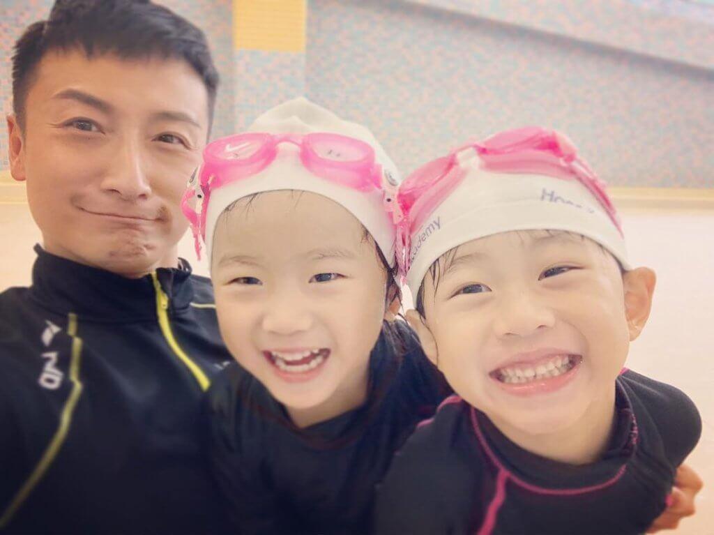 方力申開游泳學校多了接觸小朋友,以前一直認為要生男孩傳宗接代,最近變了覺得女孩夠嗲很可愛。