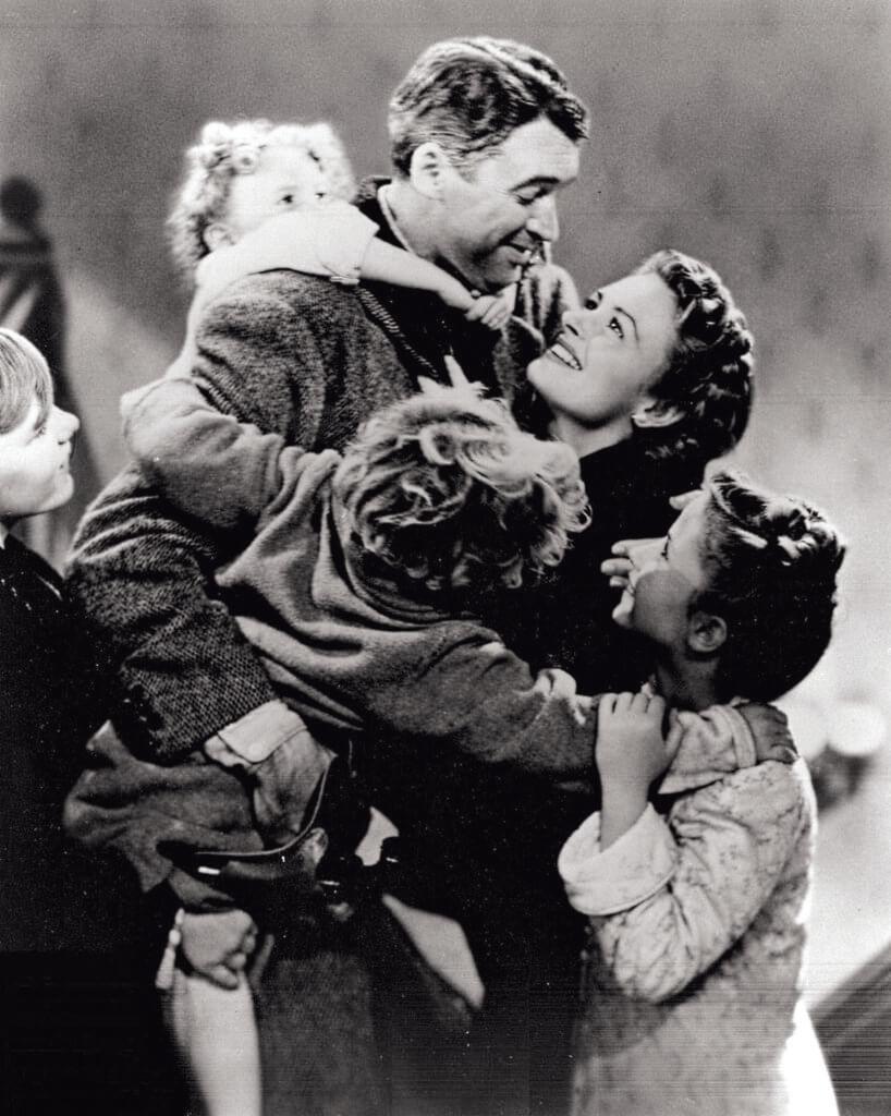 占士史超域演過的美國百大電影很多,但每年聖誕都被當作賀節禮物的《莫負少年頭》,不止在電視,線上有它的身影,還會在電影院放映。在她身上的阿美利堅精神,對照當下美國的現實,提供很多玩味之處。