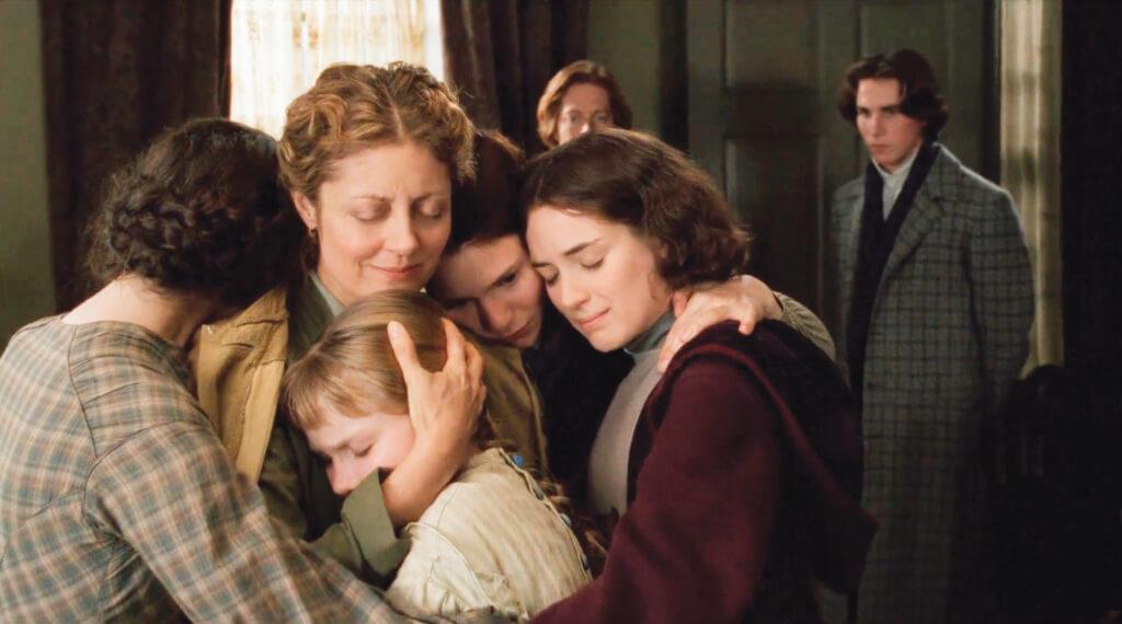 《小婦人》的一家人不怕吃苦,怕的是不能在一起,就算在一起捱苦,那苦也是甜的。在養尊處優但沒父沒母的鄰居男孩看來,自己反而更苦。