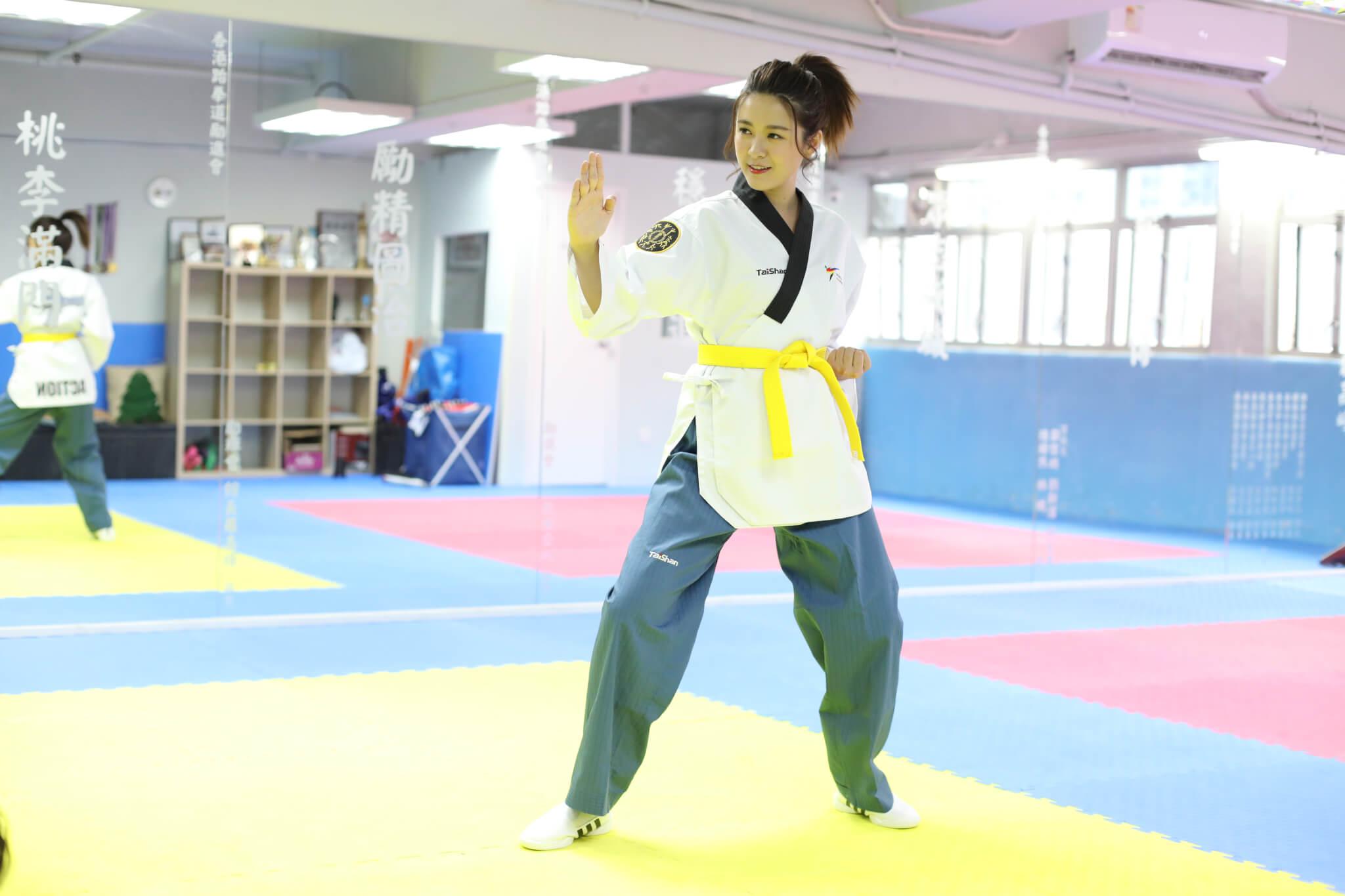 雖然誤打誤撞學了跆拳,幸好教練讚她有天份。