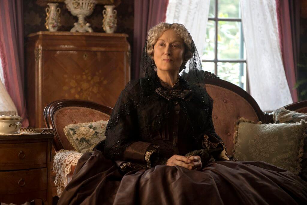 片中的梅麗史翠普是守舊女性象徵,認為女性應該嫁個有錢人。