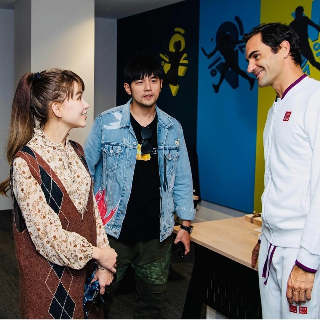 周董在IG留言:「當Hannah跟Roger聊起網球的時候,我好像局外人一樣,哈哈。」