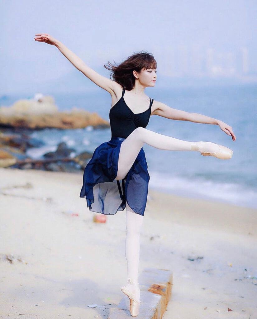 擅長跳舞的Aka,早前赴韓國再深造舞藝。