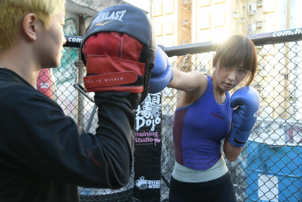 本身對打拳零知識的劉心悠,花了四個月時間地獄式訓練。