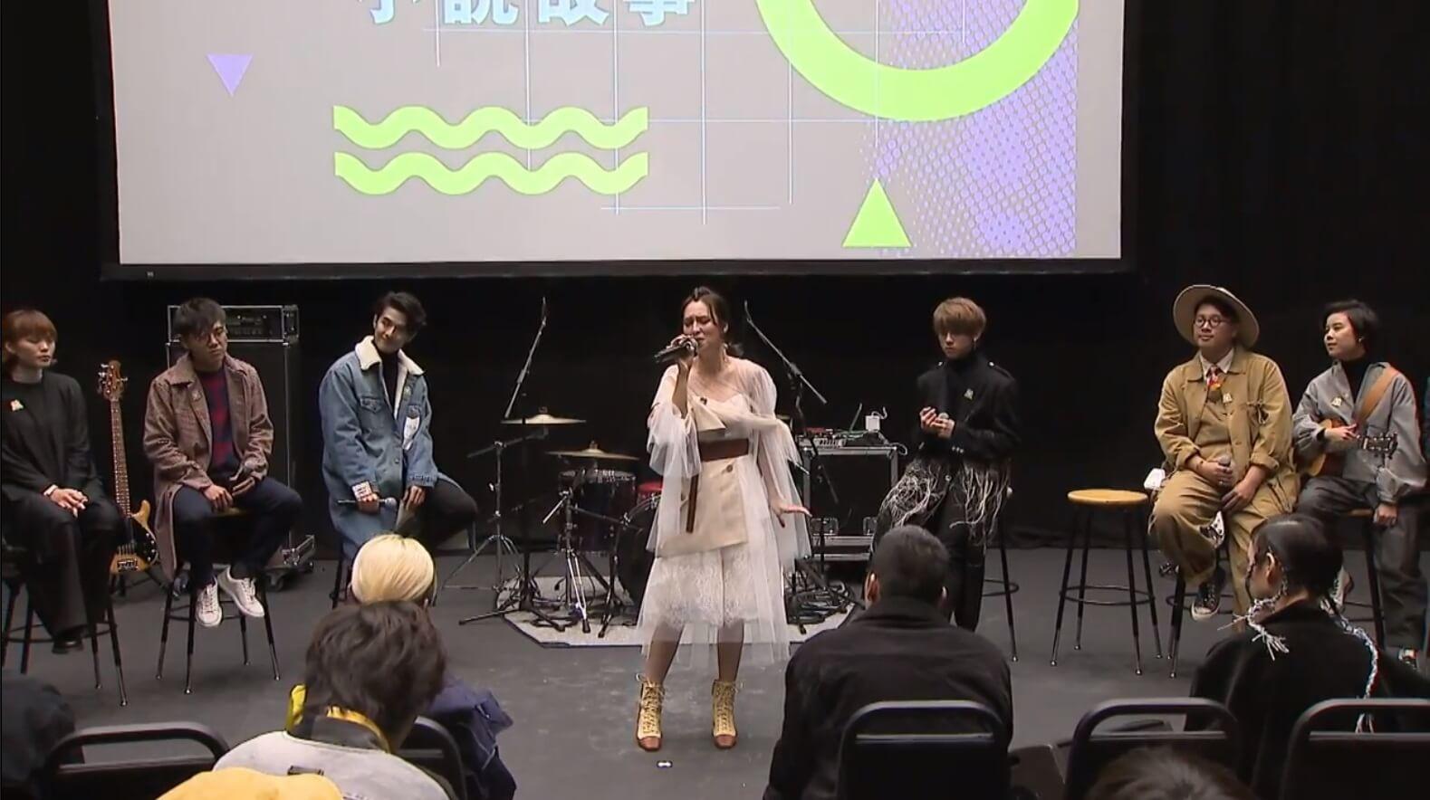 孫慧雪仍是無綫合約藝員,雖然唱片公司不屬「星夢」,但仍大膽現身ViuTV,網民大讚她有「吉士」。
