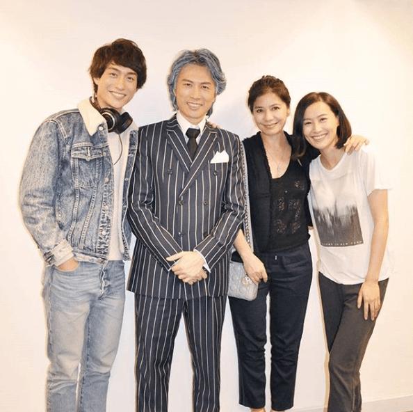 阿謙與黃子華、陳法拉演出的舞台劇《前度》,鍾楚紅也來捧場。