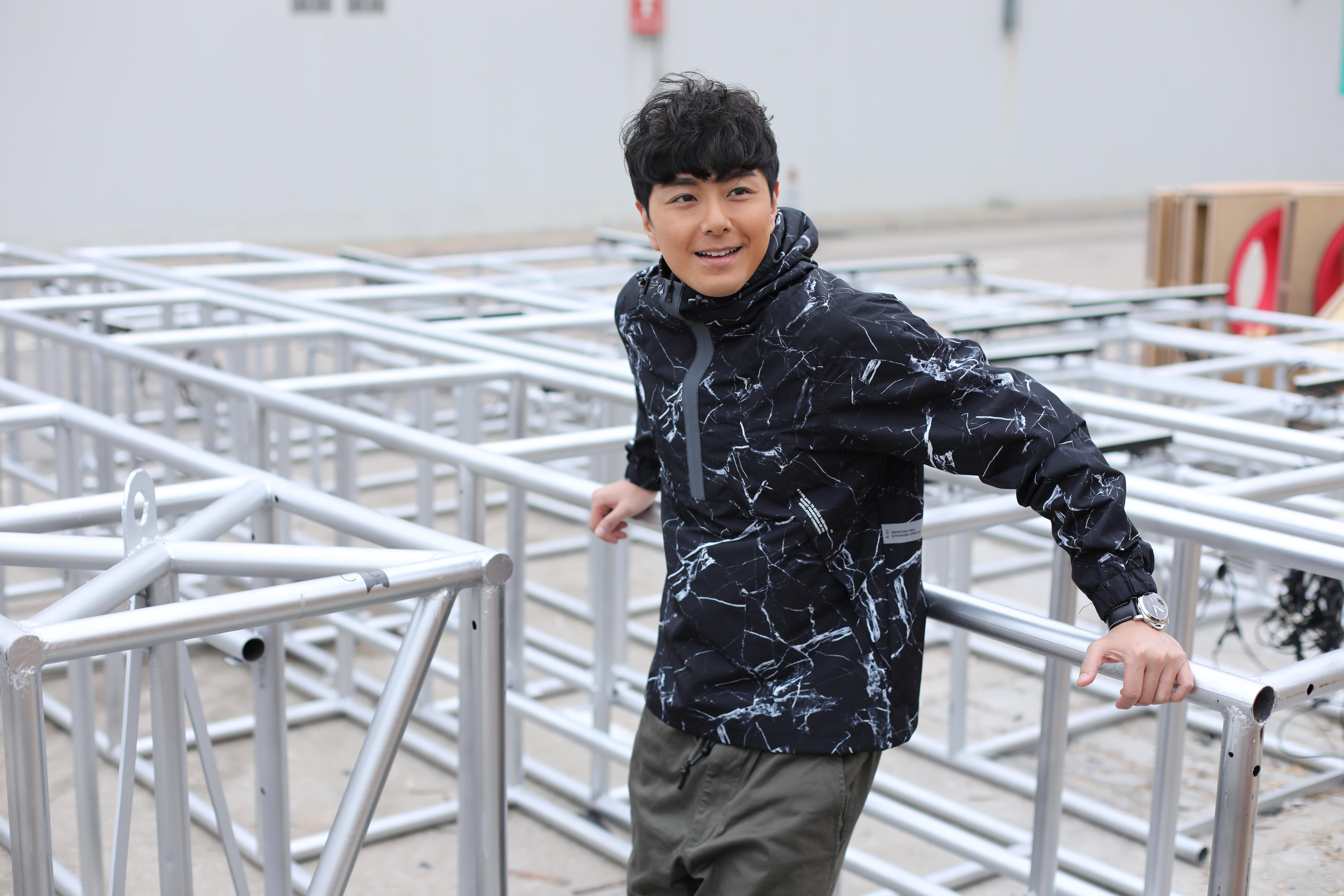 訪問中,蕭正楠一提到翠如BB,他即笑笑口,甜入心。