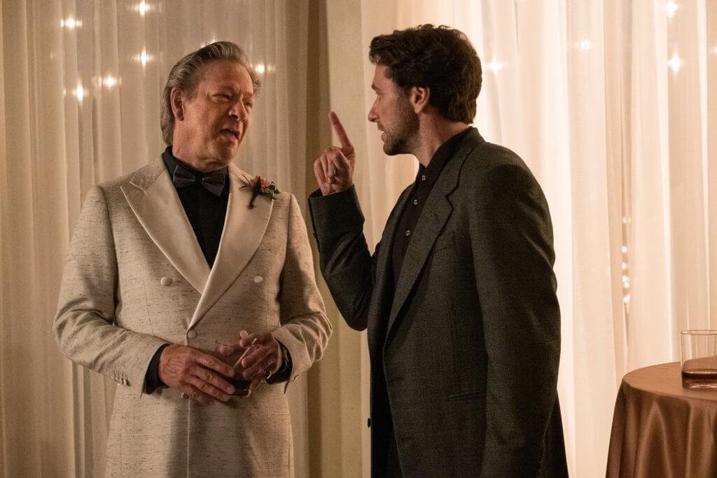 主角羅爾多年來跟基斯谷巴飾演的風流父親關係惡劣