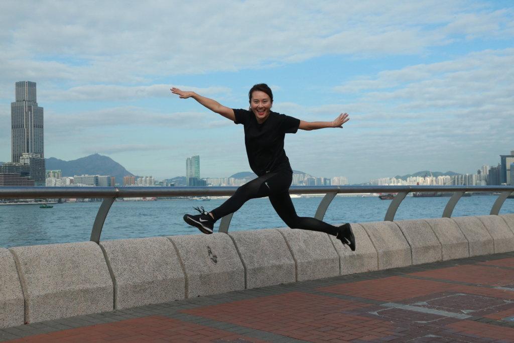 黃宇詩喜歡到中環海濱跑步,邊跑可邊欣賞維港景致。