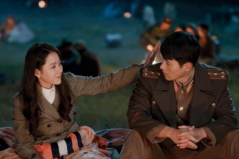 孫藝珍與玄彬主演的韓劇《愛的迫降》吹起煲劇風。