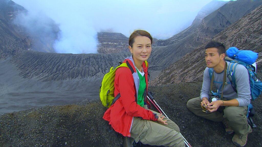 黃宇詩及曾國祥一四年拍攝香港電視真人騷節目《挑戰》,遠赴瓦努阿圖勇闖活火山,成為亞洲第一隊近距離拍攝熔岩湖的攝製隊伍。
