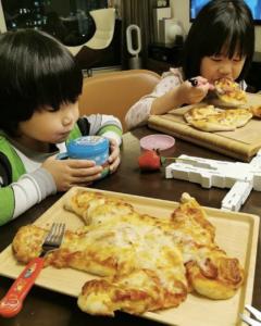 Tristan的人形Pizza很特別呢!