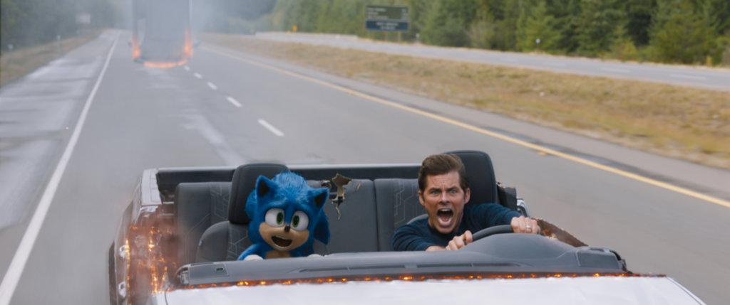 占士馬史頓飾演的警員與超音鼠展開刺激冒險,亦鬧出不少笑話。