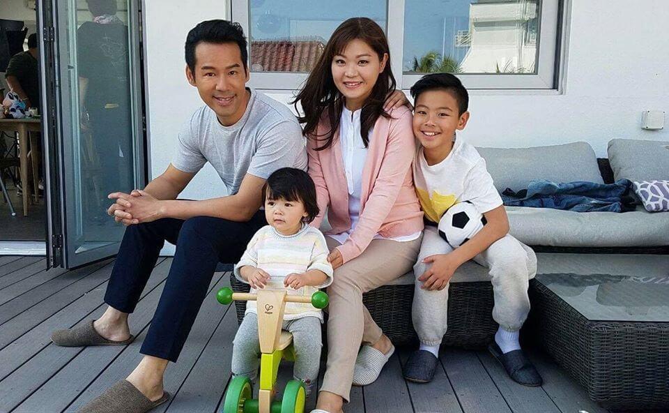 徐榮女兒包包一年接拍十二個廣告,兒子徐朗間中亦有出鏡。