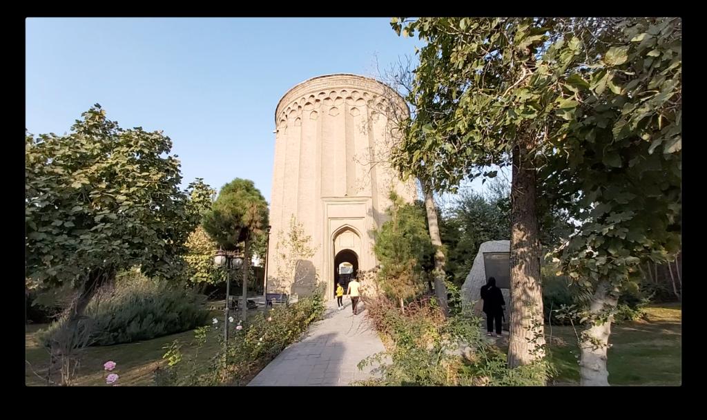 這座廿米高的磚塔是Seljuk統治者TugrulBeg的墓