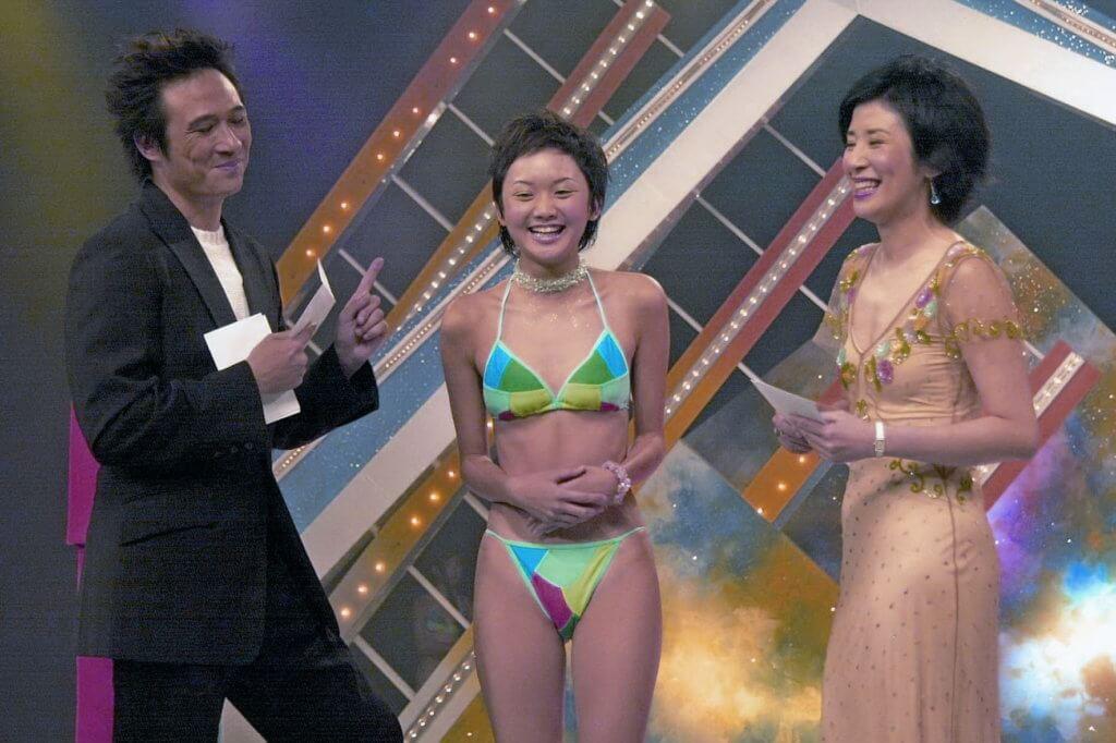 十七歲的李綺雯參加亞視女優比賽入行,吳君如和鎮宇是比賽司儀。
