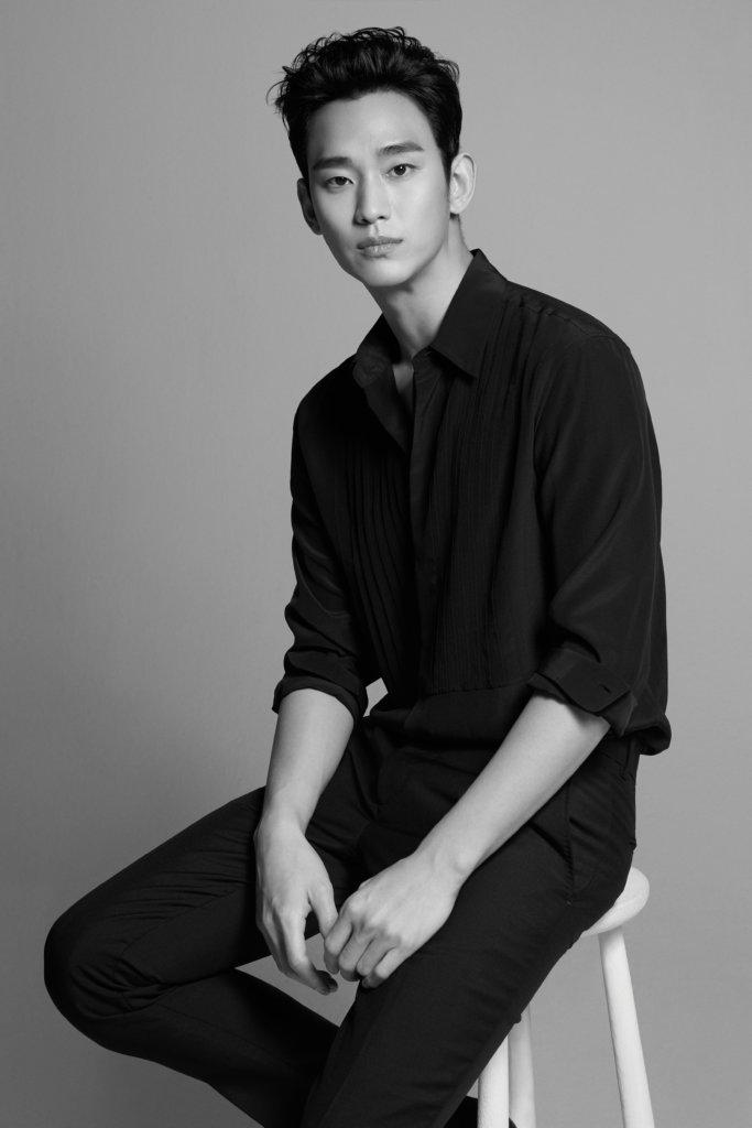 金秀賢退役後,經常客串,今次正式復出,相信最開心的是粉絲。