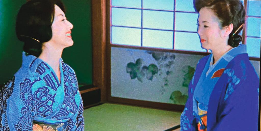 大姊鶴子(岸惠子)和二姊幸子(佐久間良子)是歡喜冤家。這一刻針鋒相對,下一刻已化敵為友。沒有隔夜仇的二人,到了故事結尾,一個留在大阪,一個遷居東京,二姊早已表明不會送車,因為不想讓大姊看見自己流淚。