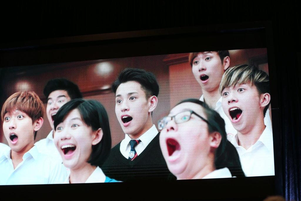 拍電影《熱血合唱團》時,因父母反對,吳卓衡一度崩潰。