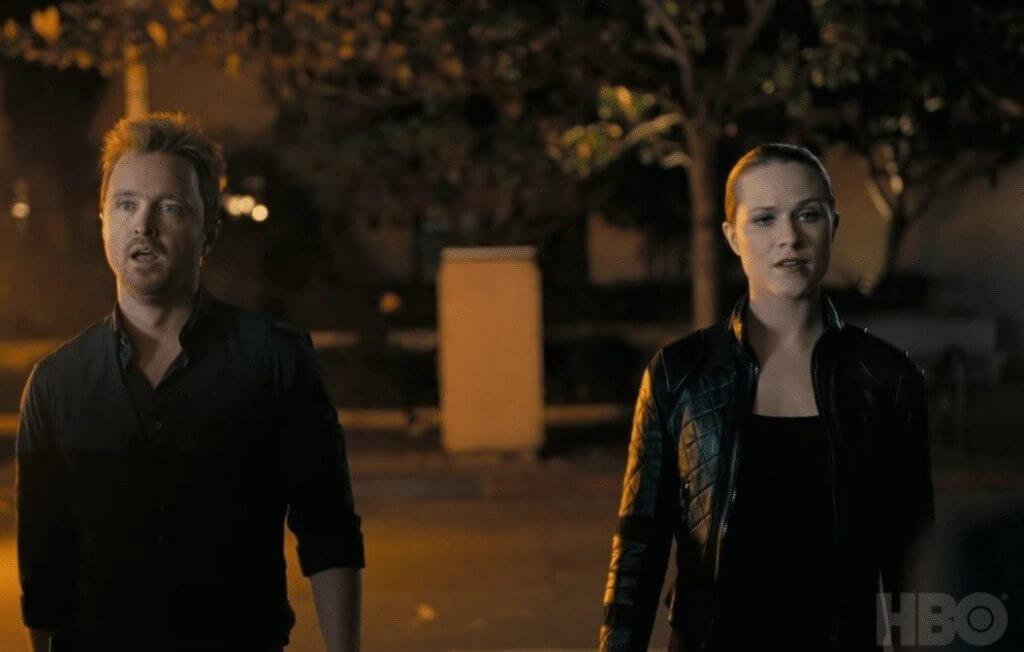 伊雲在第一集尾聲與《絕命毒師》男星Aaron Paul擔演的新角色相遇