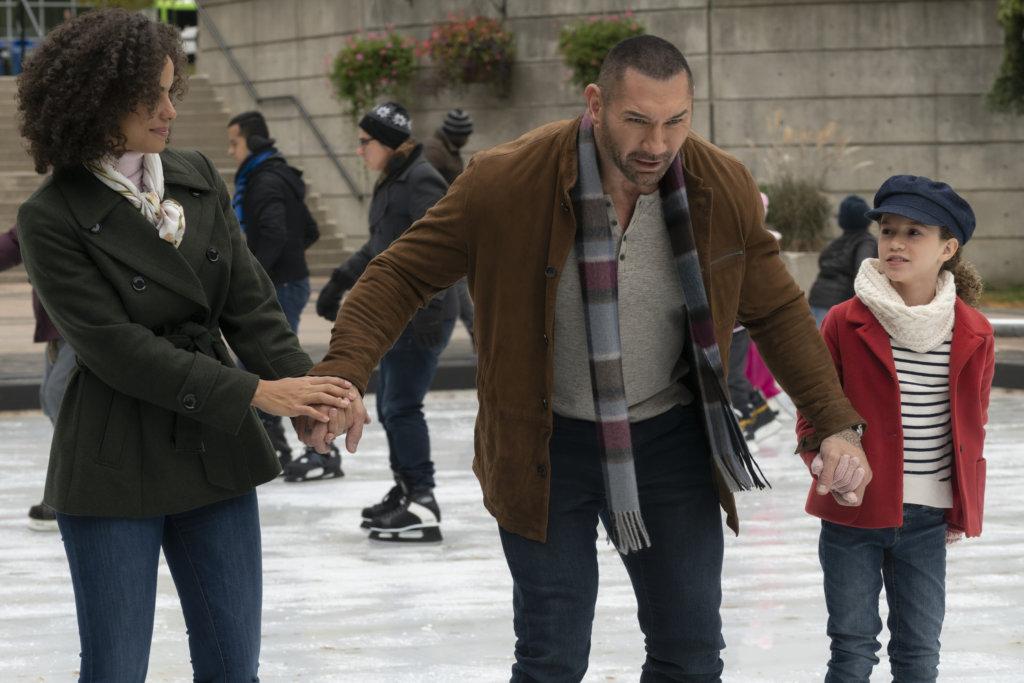 戴夫與主角母女一起溜冰時,場面搞笑。