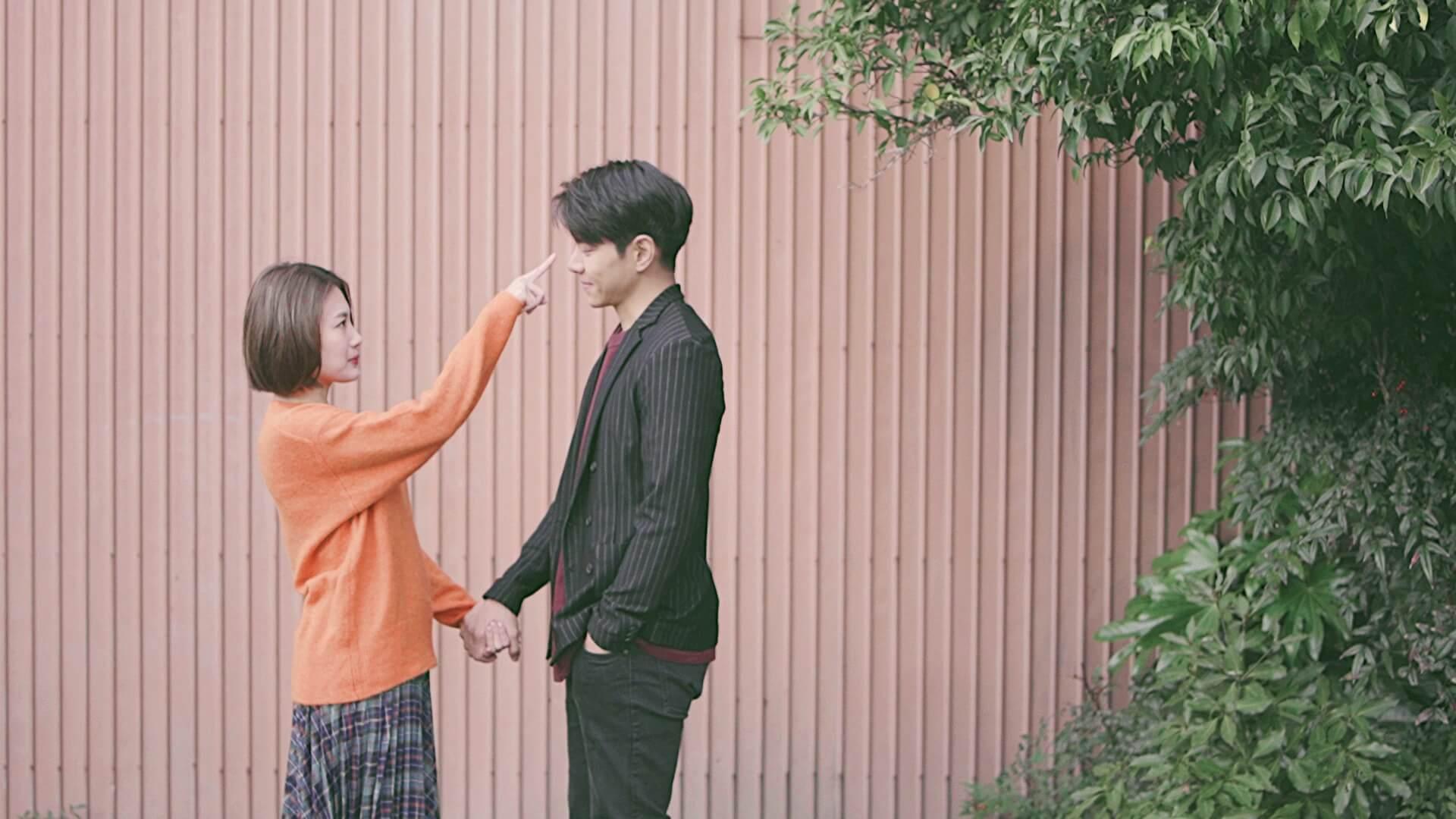 蔣家旻與羅天宇今次於微電影《戀戀季節》升呢演戀人,兩人明顯有點尷尬。