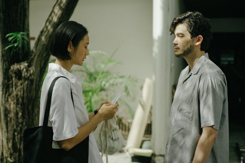 女主角決定親手把相機歸還給Sunny飾演的前男友
