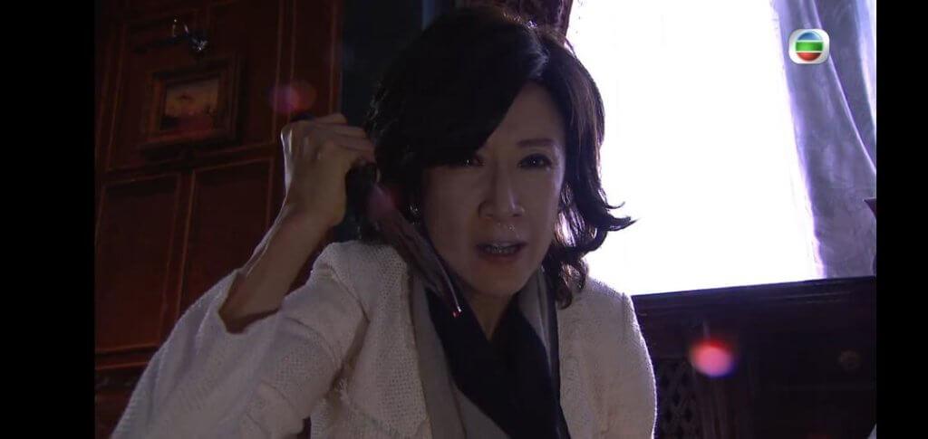 在劇集《乘勝狙擊》要殺老公吳岱融,當時已夜深,大家都拍得很累。