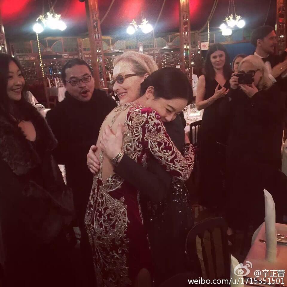 辛芷蕾在柏林電影節遇到奧斯卡影后梅麗史翠普,有幸與偶像有一面之緣。