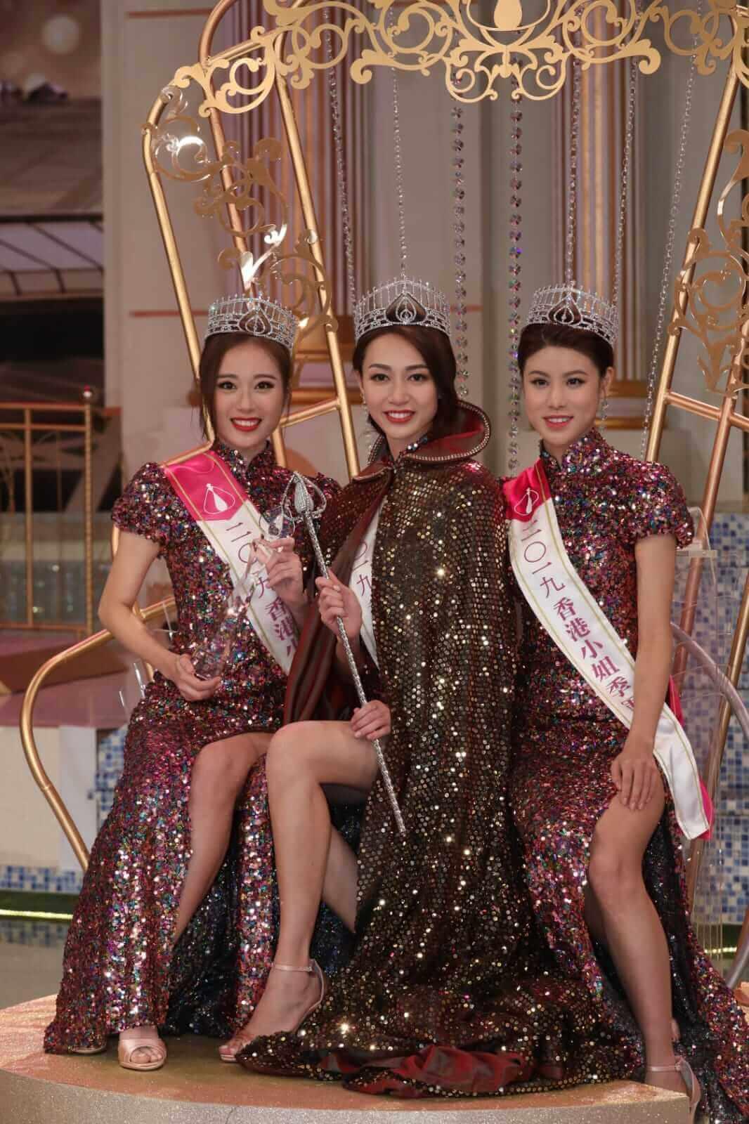 去年的《香港小姐》三甲黃嘉雯、王菲及古佩玲將會成為「兩屆港姐」。