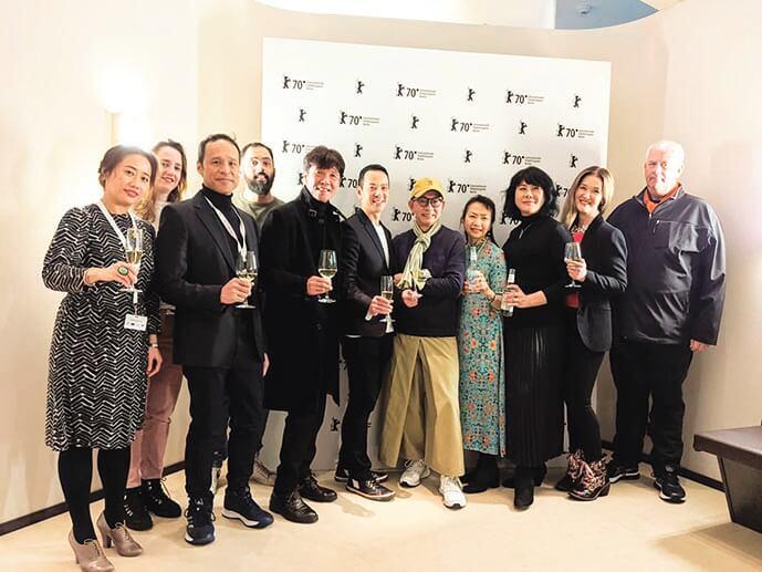 《叔.叔》導演楊曜愷與三位主要演員太保、袁富華和區嘉雯出席柏林影展,電影入選柏林影展「電影大觀」單元,是唯一一部獲選的香港劇情長片;柏林具有代表性的英文雜誌更評選這部戲是最值得排隊觀賞的電影。