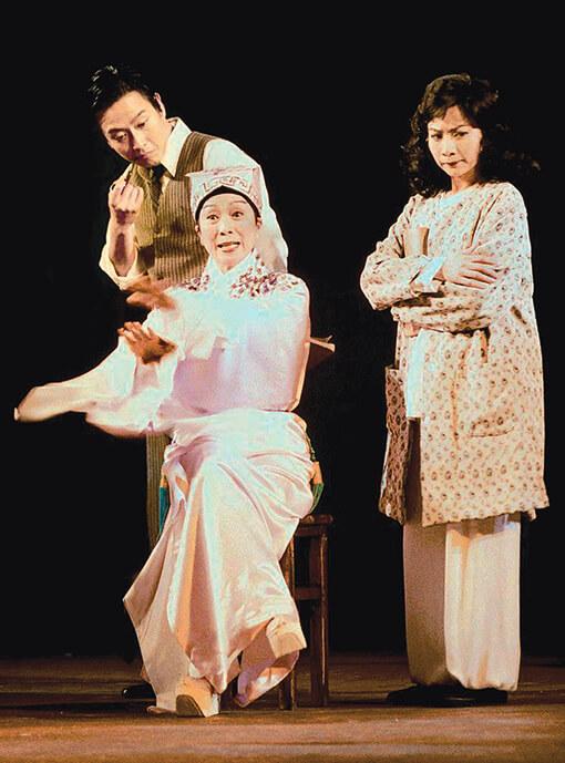 《劍雪浮生》講述任白與唐滌生的逸事,飾演唐滌生的是謝君豪。