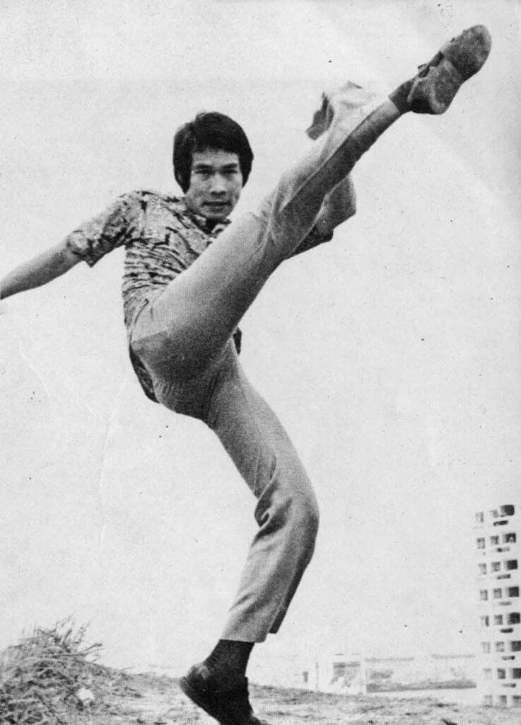 白彪身手好,七十年代的長江電影公司捧他為打星。