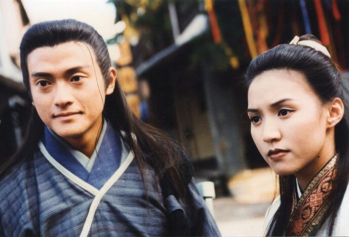 小恩子主力發展歌唱事業,但也曾拍過無綫劇,《孝感動天》與魏駿傑合作。