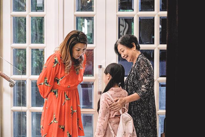 小恩子首次拍微電影《骨肉香》做女主角,該微電影入圍兩個海外影展,她非常開心。