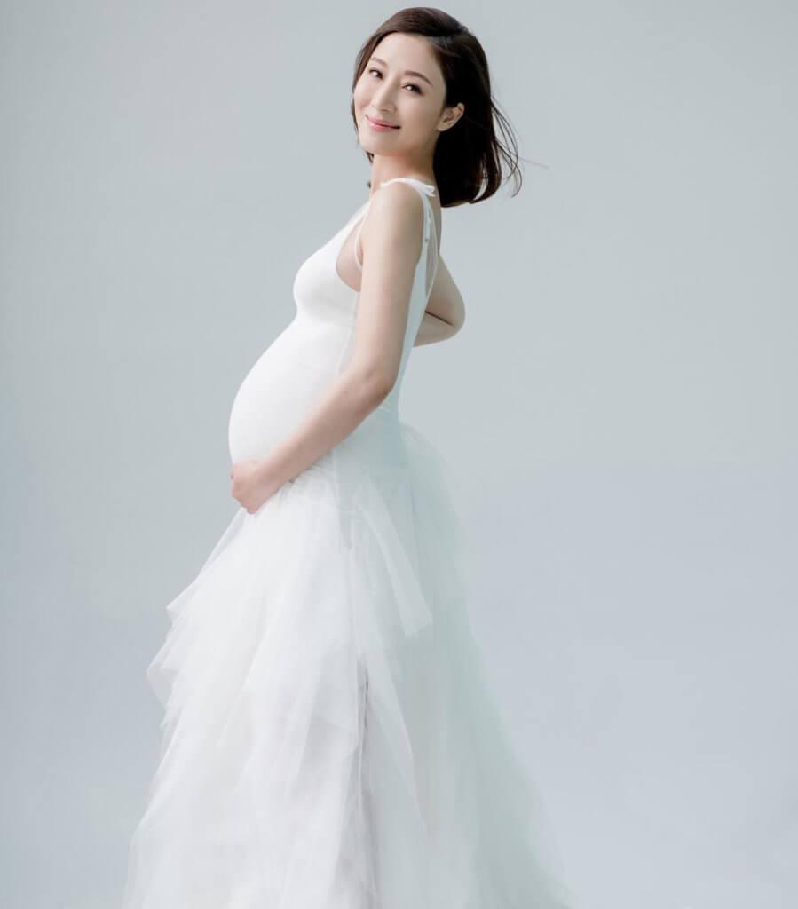 楊怡陀B沒有太多懷孕反應,身形依然纖瘦。
