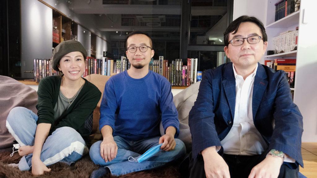 左起:彭秀慧、電影導演袁建滔、電影原著作者厲河