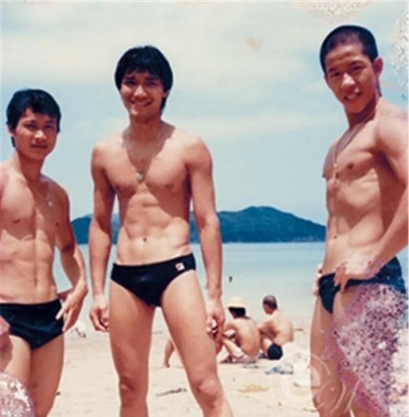 年輕時的冼灝英身形fit,他說自己從不做gym,只靠練功夫。