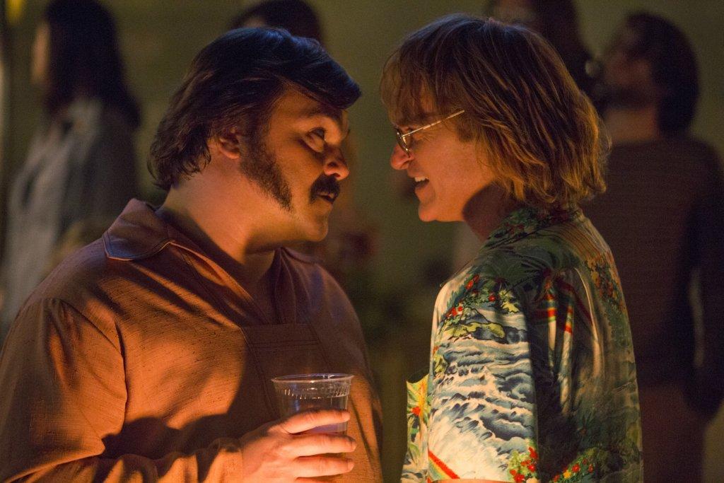 積伯克(左)飾演醉酒撞車肇禍的損友