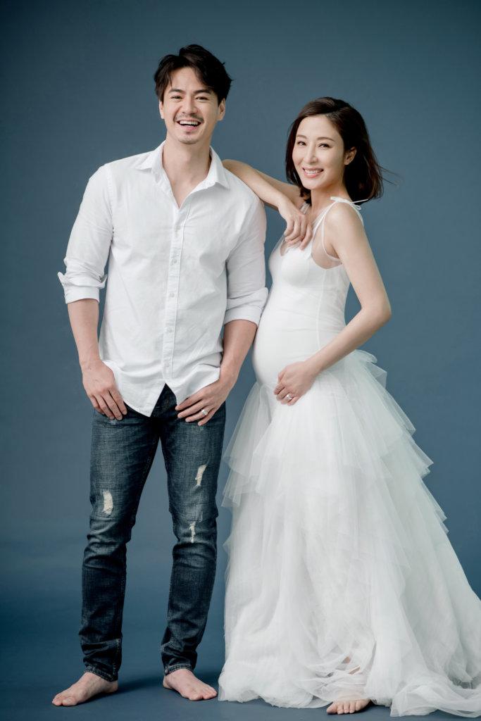 楊怡的預產期在五月,日前與老公一起拍大肚寫真。