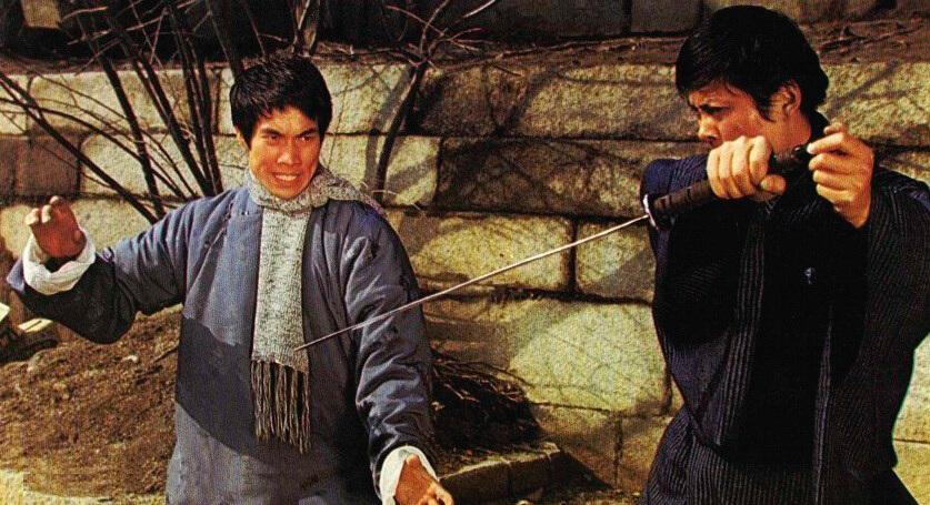 白彪七十年代拍武打電影,在韓國住過兩年。