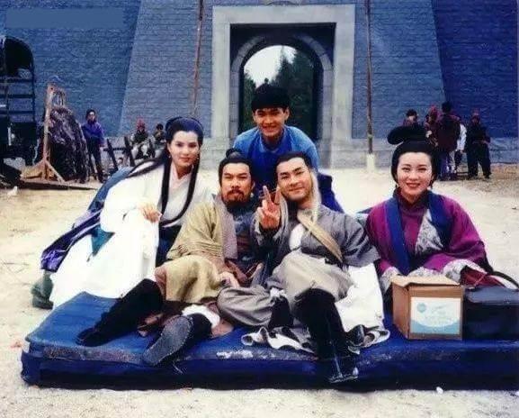 白彪、古天樂、李若彤、魏秋樺在九五年TVB《神鵰俠侶》合作