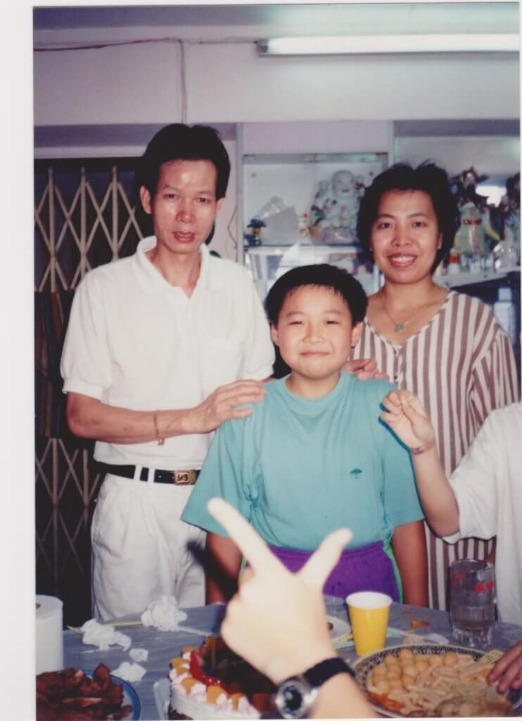 父母當年無條件支持他讀演藝,才成就今日的自己。