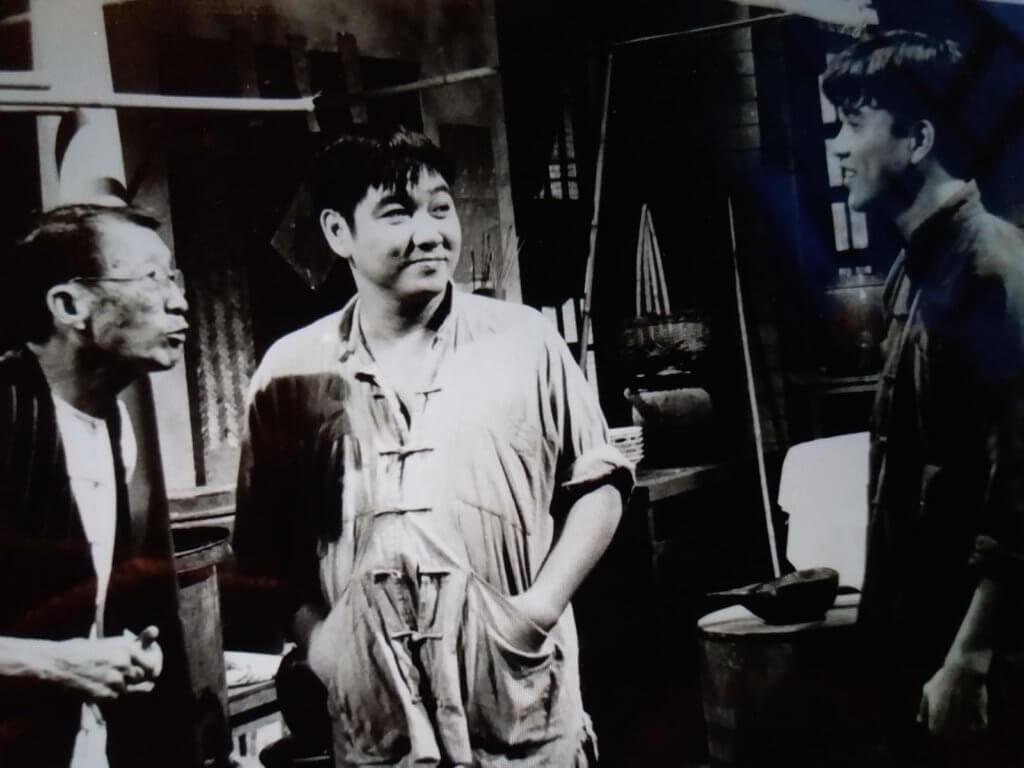 蔡國慶獲鍾景輝邀請過檔麗的電視,拍了不少劇集,當中在《烽火情仇》中與吳回及萬梓良合作。