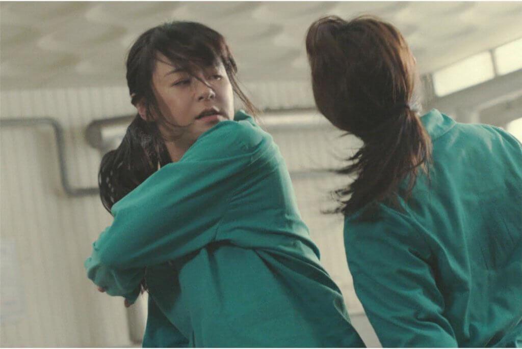 拳拳到肉,打得有板有眼的崔江姬,特別花了一個月做武術訓練。