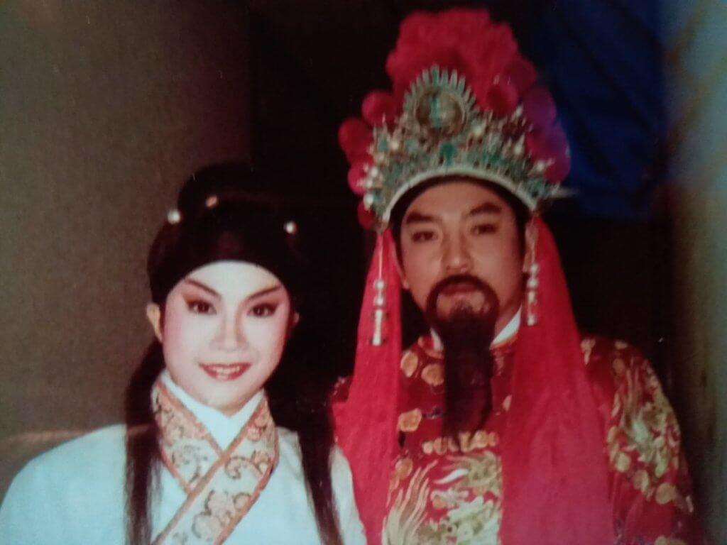 蔡國慶曾參與雛鳳鳴劇團,跟台柱龍劍笙一起演出。